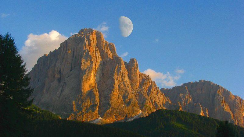 Monti pallidi: le leggende degli antichi